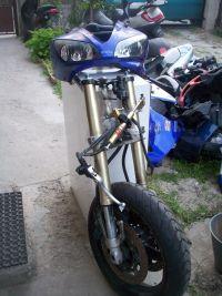 Yamaha-R1-2000