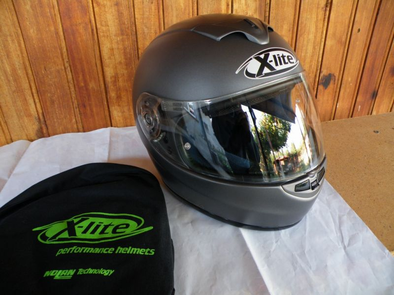 - XLite X601 почти нов много лек